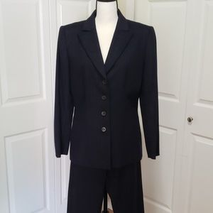 Tahari Wool Jacket & Pant Suit, Navy, sz 10